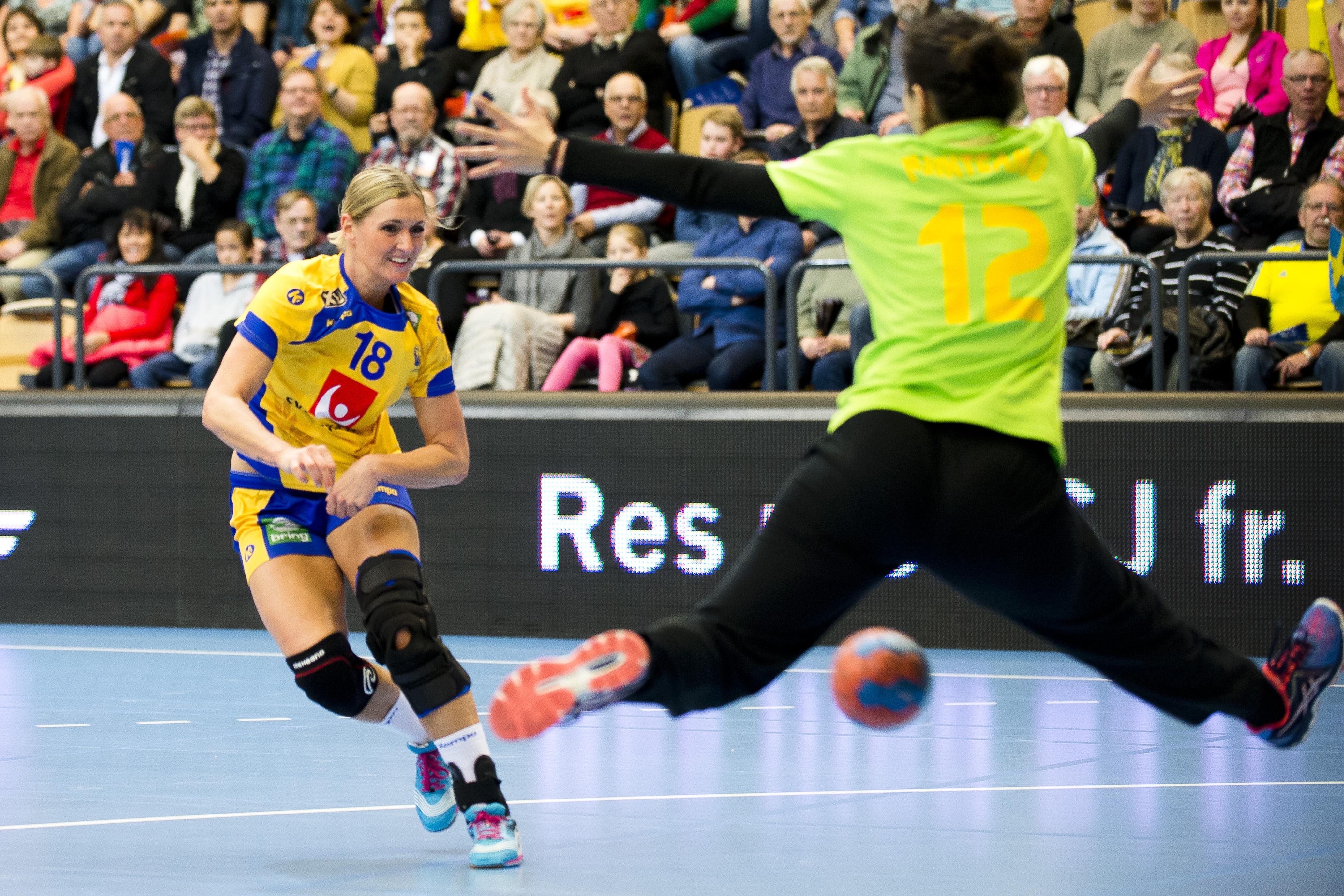 Photo of Wall, Blomstrand och Lagerquist i blågult