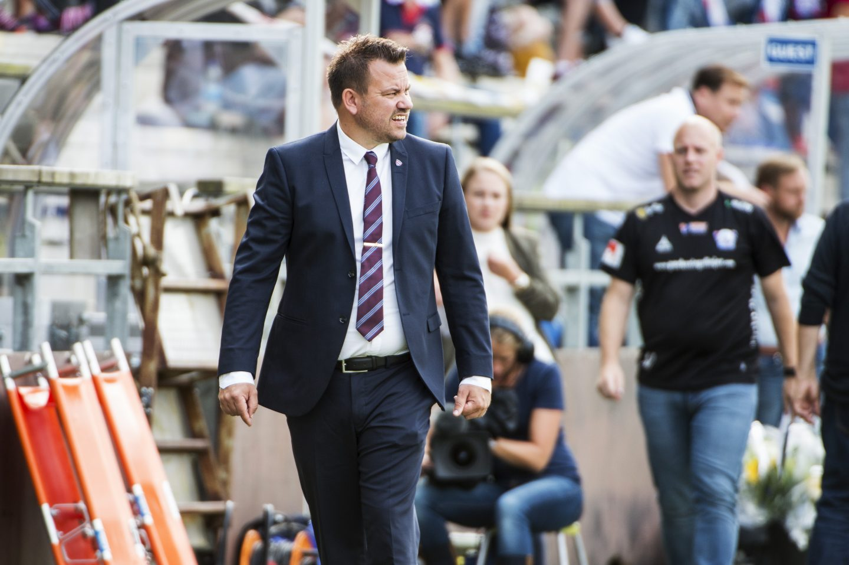Photo of Lär missa guldet – då lämnar tränaren FC Rosengård