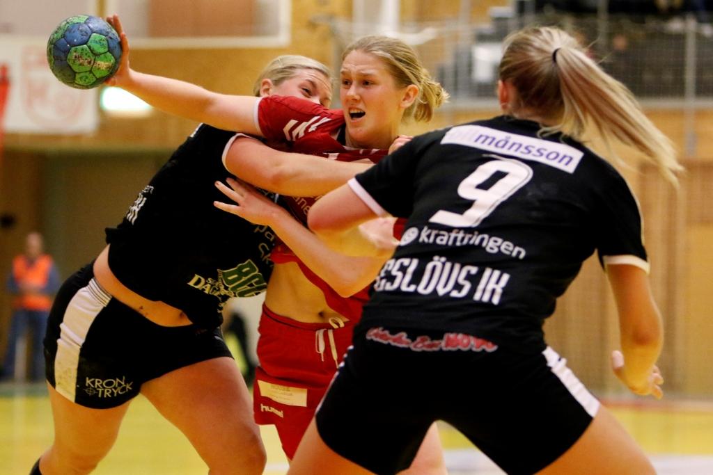 Photo of H65-målvakt räddade poäng – åt urtappert Eslöv