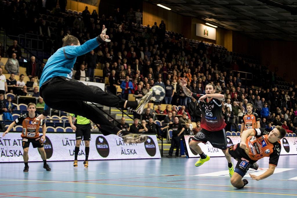Photo of Match krockar med MFF – HK Malmö byter speldag