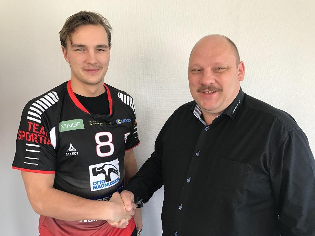 Photo of Månsson förlänger med HK Malmö trots utlandsbud
