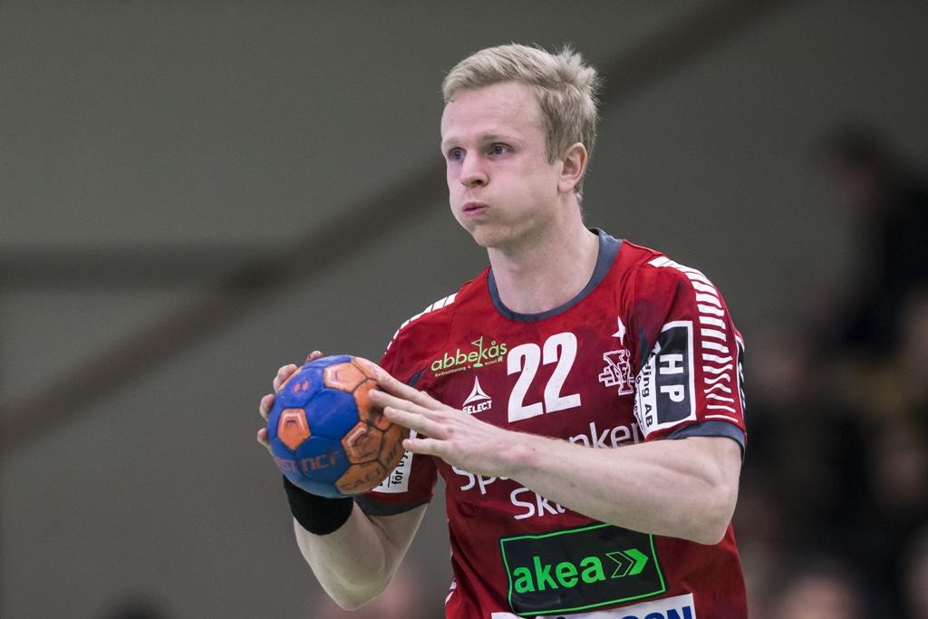 Photo of Knudsen stannar i IFK Ystad – blir spelande tränare