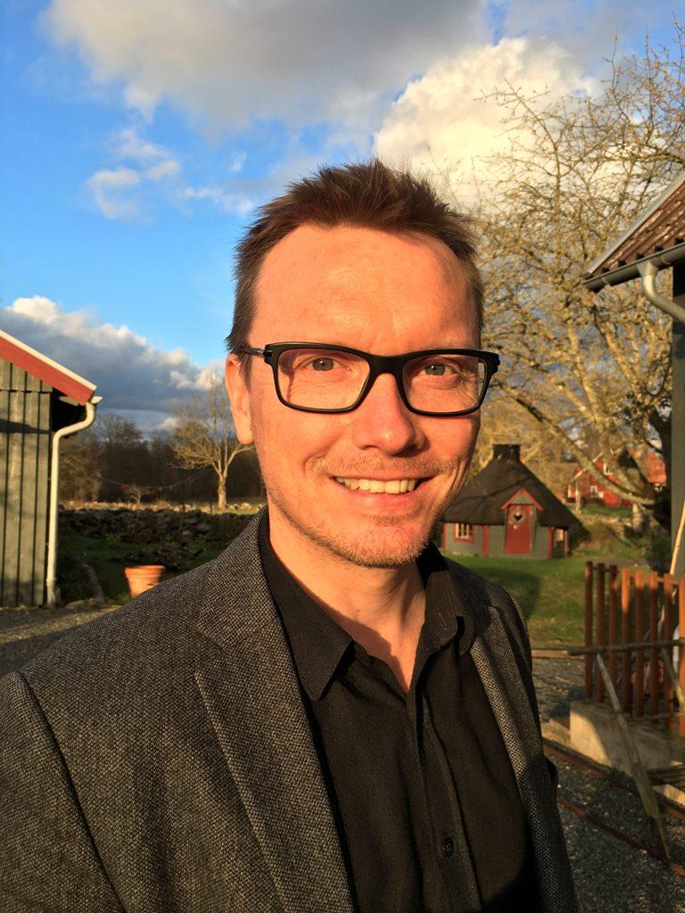 Photo of Skånska stipendiater: Han lyfter flickfotbollen i Broby