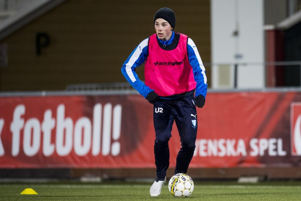 Photo of Felix Konstandeliasz räddade poäng åt MFF U19