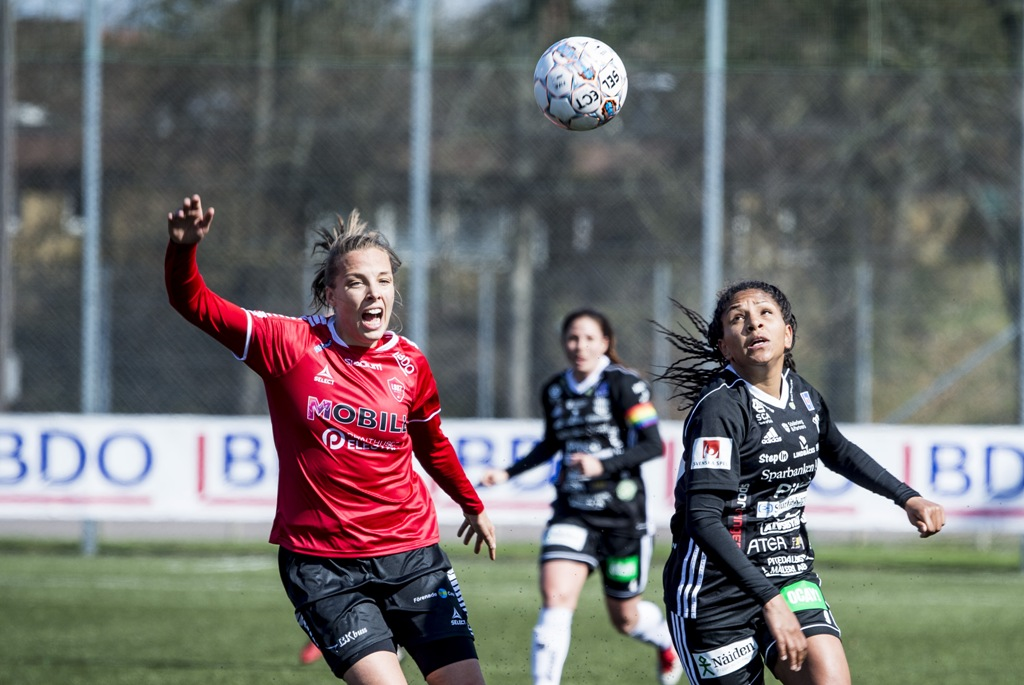 Photo of LB07:s isländska trivs i mammarollen