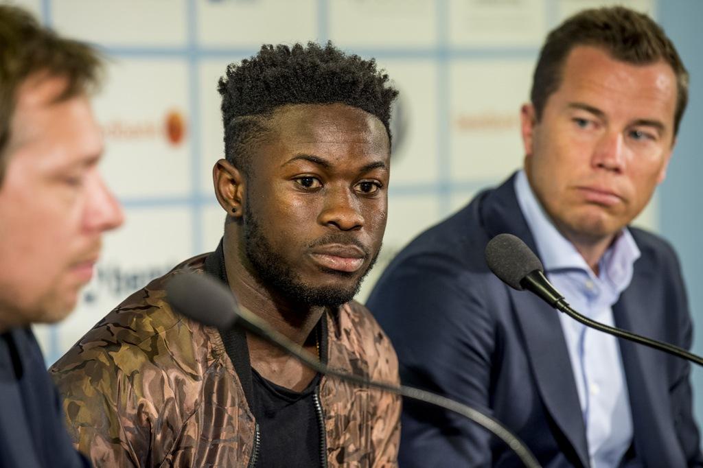 Photo of Långt kontrakt med Kingsley Sarfo