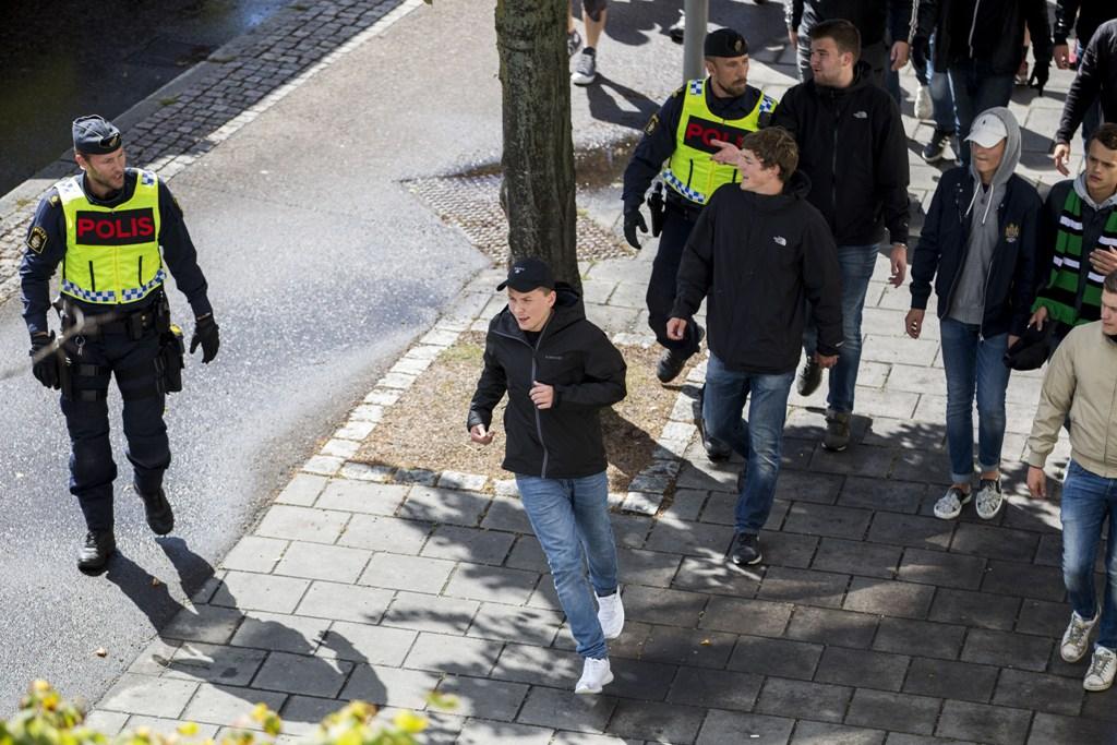 Photo of Stenkastning mot polis efter HIF-GAIS – två gripna