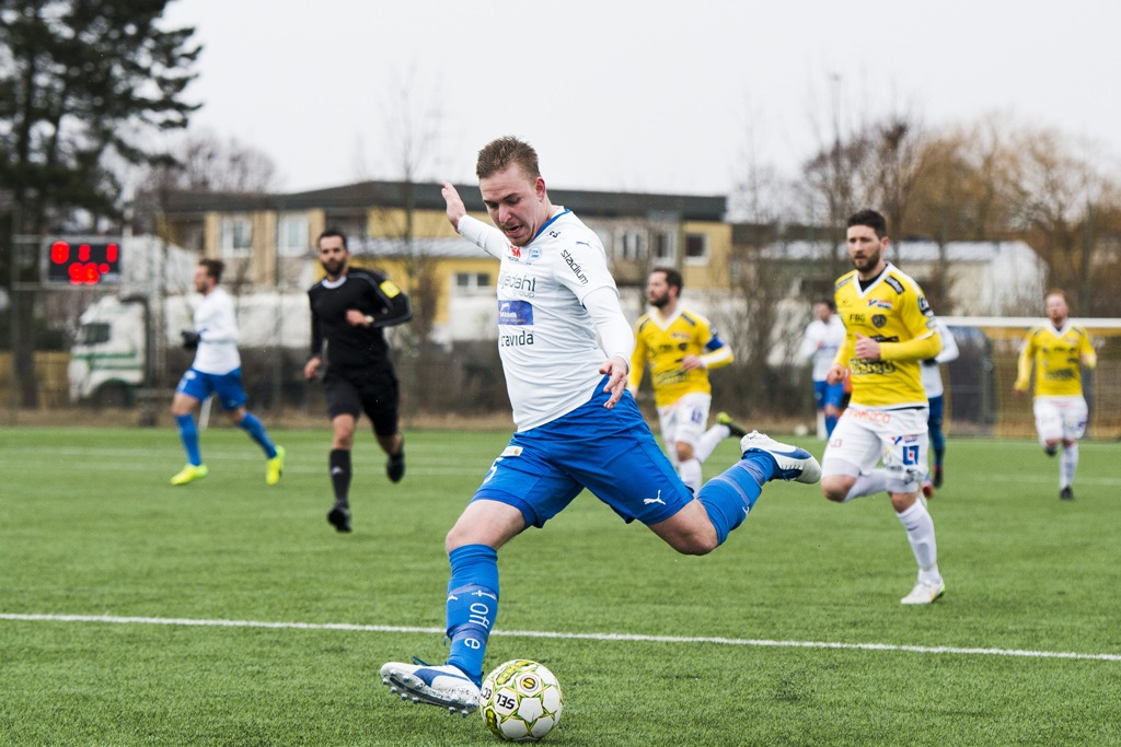 Photo of Kvarnbys Melvin Frithzell gör succé i Superettan