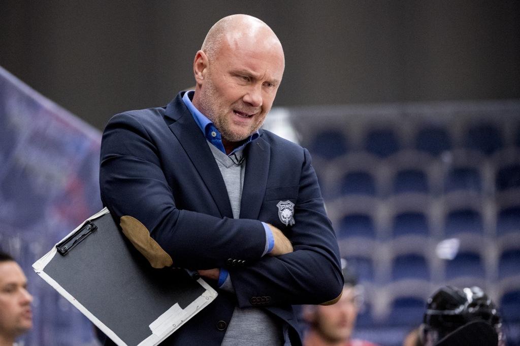 Photo of Redhawks förlänger med Peter Andersson