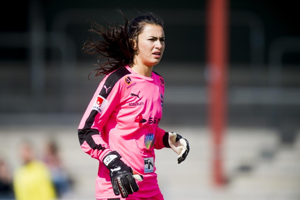 Photo of Zećira Mušović förlänger med FC Rosengård