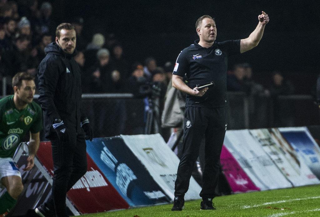"""Photo of TFF:s tränare efter succéinledningen på kvalet: """"Vi är knappast nöjda"""""""
