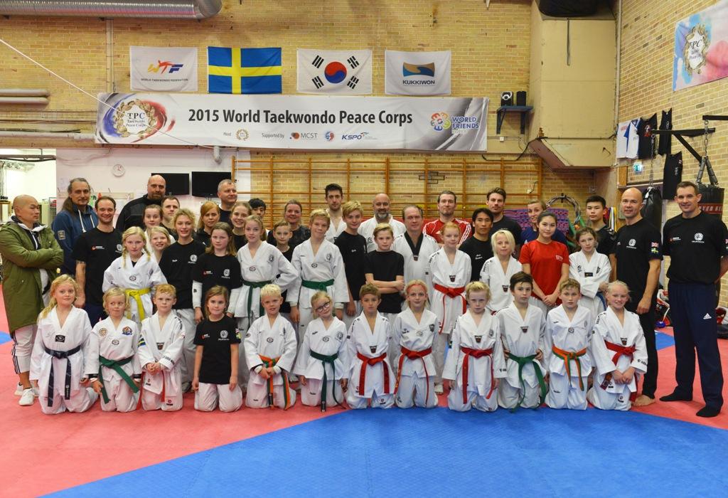 Photo of Brittiska proffs lyfter kampsportklubb