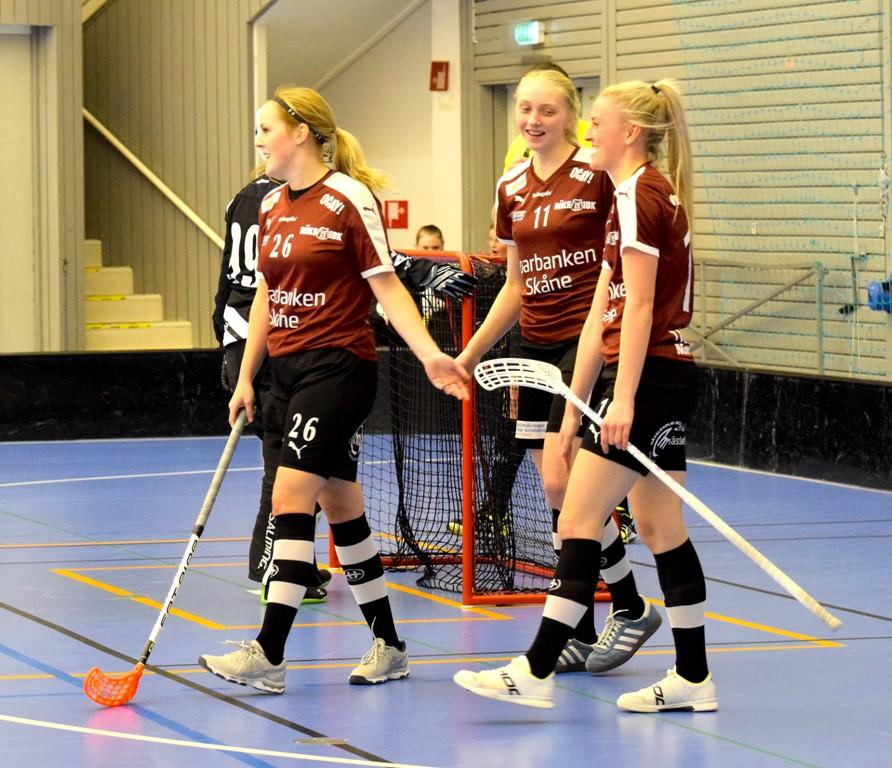 Photo of Rökes damer ångar på