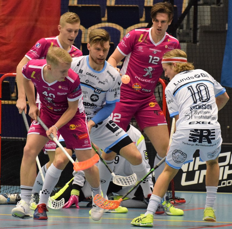Photo of Bildspecial: Malmö FBC i rysare mot Warberg