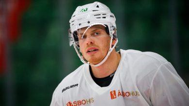 Photo of Tryout-spelaren Hampus Gustafsson får kontrakt med Rögle