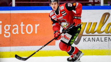 Photo of Helge Grans stannar i Redhawks