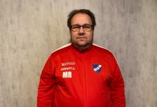 """Photo of Mikael Rasmusson tränare i IFK Ystad: """"Vara med och tampas om de mest åtråvärda placeringarna"""""""