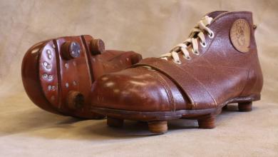 Photo of Fotbollens kuriosakabinett- fotbollens historia genom prylarna