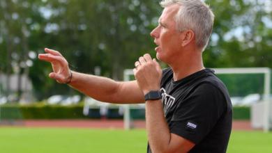"""Photo of Peter Olsson: """"IFK Karlshamn måste vinna denna matchen, så de kommer öppna upp sig efterhand"""""""
